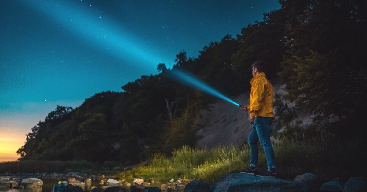 5 Best Hiking Flashlights For Your Next Outdoor Adventure