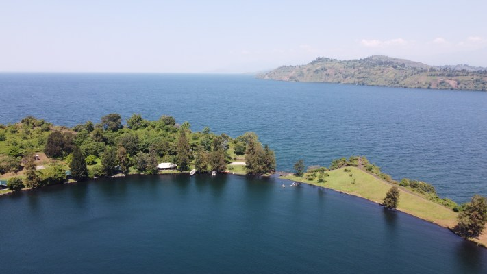 best things to do in congo tchegera island